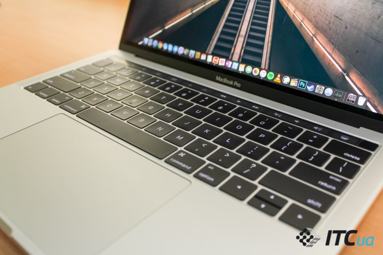 """Обзор MacBook Pro 13"""" with Touch Bar"""