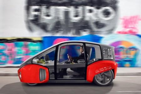Швейцарская компания Rinspeed показала свой компактный городской электромобиль Oasis с автопилотом на видео