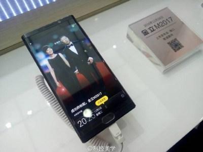 Смартфон Gionee M2017 позирует на живых фото за неделю до официальной премьеры