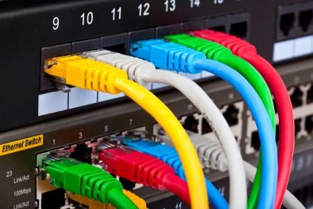 Какую гарантированную скорость доступа в интернет начали указывать украинские провайдеры с 1 января 2017 года, после вступления в силу соответствующего решения НКРСИ