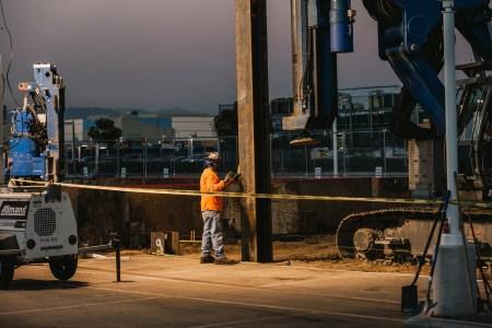 Илон Маск начал рыть обещанный тоннель под Лос-Анджелесом