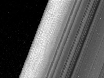Самые детальные снимки колец Сатурна