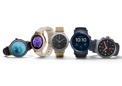 LG выпустила умные часы Wear Style и Wear Sport на базе Android Wear 2.0