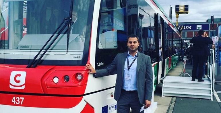 В КГГА подписали распоряжение о реконструкции ЖД и трамвайных путей для линии Tram-Train от Троещины до Караваевых дач и показали эскизы станций метро на Виноградарь