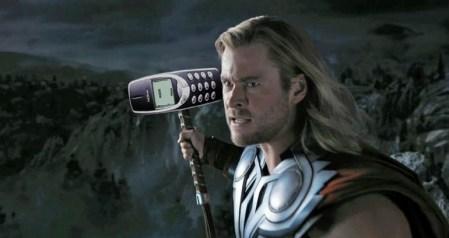 Появились подробности о новой Nokia 3310: тот же дизайн, более крупный цветной экран и новые цветовые варианты