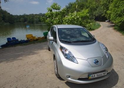 «Ниссан Мотор Украина»: Официальные поставки электромобиля Nissan Leaf в Украину начнутся после введения налоговых льгот и адаптации модели к нашим условиям эксплуатации