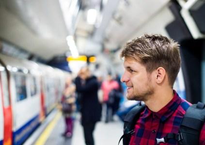 Vodafone Украина подключила к мобильному интернету еще 5 станций киевского метро, доведя общее количество подключенных станций до 25 штук