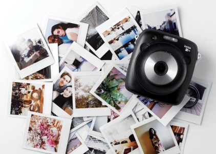 Fujifilm Instax Square SQ10 — новая гибридная камера для мгновенной печати Instagram-фото с ценником $279