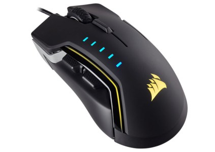 Игровая мышь Corsair Glaive RGB выделяется настраиваемой подсветкой и съёмной накладкой для большого пальца