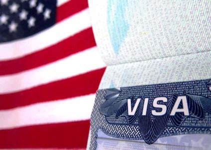 Аккаунты в соцсетях для визы в США: Госдеп теперь требует от заявителей дополнительную информацию