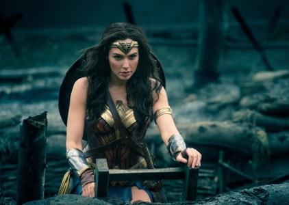 «Wonder Woman» стала самым кассовым летним релизом в США, обогнав «Стражей Галактики 2» (сиквел «Wonder Woman 2» выйдет 13 декабря 2019 года)
