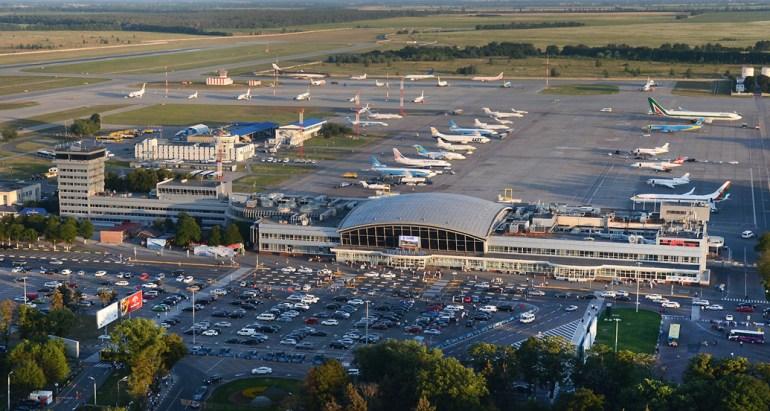 """Киевские аэропорты отрапортовали о существенном росте пассажиропотока: """"Жуляны"""" - на 60% за месяц, """"Борисполь"""" - на 30% за полугодие"""