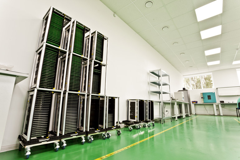 В Киеве открыт завод по производству SMD модулей для светодиодных экранов - Flylights Factory