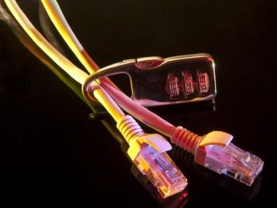 Госспецсвязи предлагает закупить за бюджетные средства оборудование для контроля трафика, установить его у всех крупных провайдеров и обеспечить доступ СБУ для контроля за блокировкой запрещенных российских сайтов