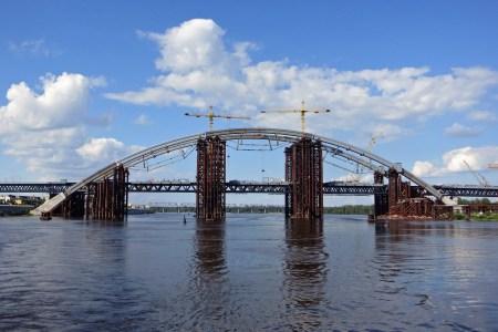 Подольско-Воскресенский мост на Троещину могут сделать платным для иногородних, но местные жители смогут ездить бесплатно по «Карточке киевлянина»
