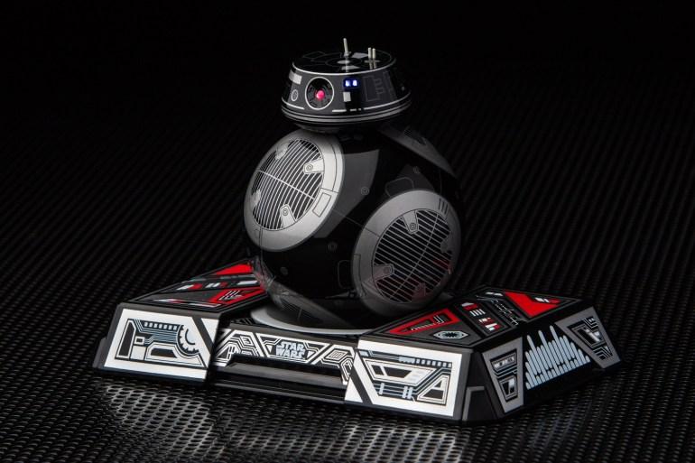 """""""Злая версия BB-8"""": Lucasfilm и Sphero представили дроида-астромеханика BB-9E, который появится в фильме """"Звёздные войны: Последние джедаи"""""""