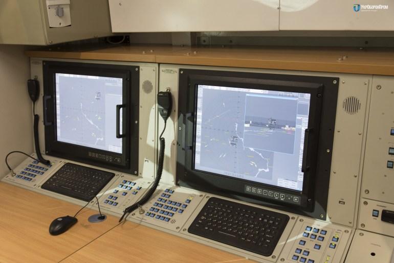 """""""Укроборонпром"""" представил новый 3D-радар 80К6Т от НПК """"Искра"""", способный отслеживать до 500 целей одновременно в радиусе 500 км и на высотах до 40 км"""