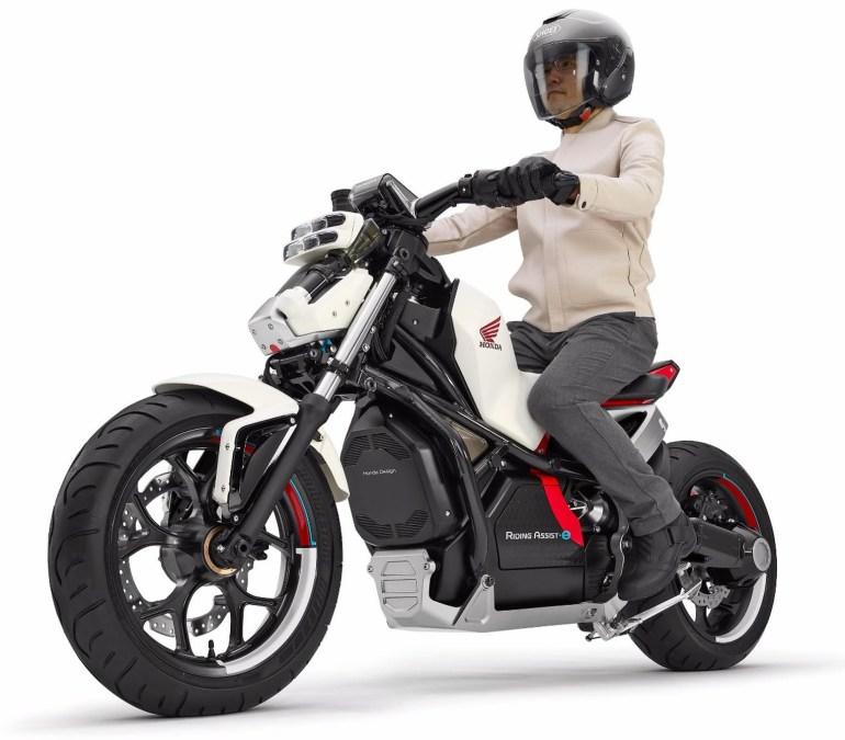 Honda привезет на Токийское автошоу электрический мотоцикл с системой автоматического балансирования Riding Assist-e