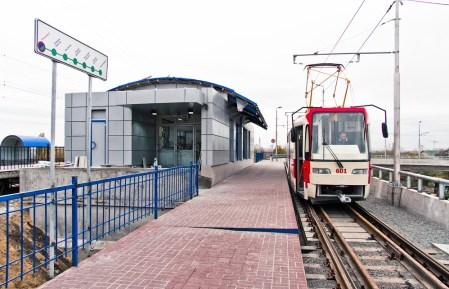 Обновлено: В скоростном Троещинском трамвае внедрят бесконтактную оплату проезда