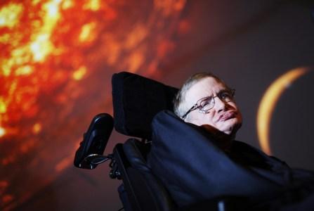 Стивен Хокинг: к 2600 году Земля станет непригодной для жизни