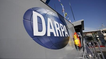 DARPA: пора прекратить относиться к спутникам, как к «Роллс-Ройсам»