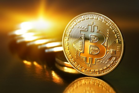 ОБНОВЛЕНО: Стоимость Bitcoin установила очередной рекорд, преодолев рубеж в $12 тыс., а затем — и $13 тыс.