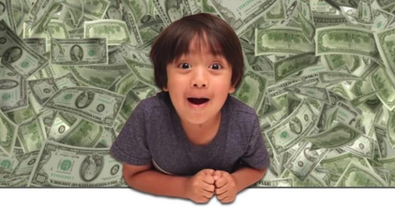 6-летний мальчик за год заработал на YouTube целых $11 млн