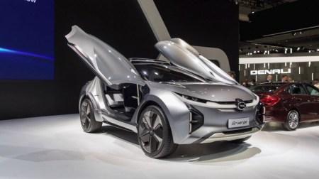 Китайцы представили электрокроссовер GAC Enverge с двойными дверями-крыльями, запасом хода 600 км и беспроводной зарядкой, который собираются продавать в США уже в 2019 году