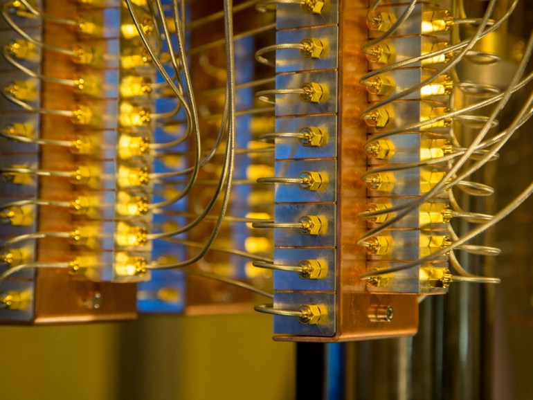 Вот так выглядит 50-кубитный квантовый компьютер IBM