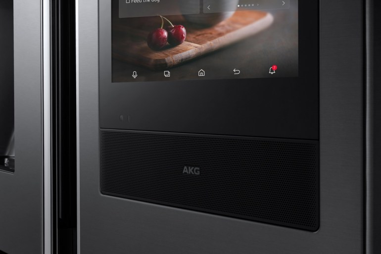 Samsung Forum 2018: говорящий холодильник, умная стиральная машина и робот-пылесос