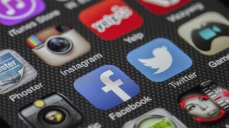 Марк Бениофф: использование соцсетей мало чем отличается от курения