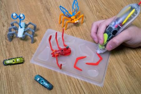 Производитель ручек для 3D-печати 3Doodler представил наборы для создания роботов-насекомых на основе вибродвигателей Hexbug