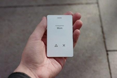 Создатели минималистичного телефона Light Phone анонсировали улучшенную версию Light Phone 2 с E-Ink экраном, алюминиевым корпусом и поддержкой SMS