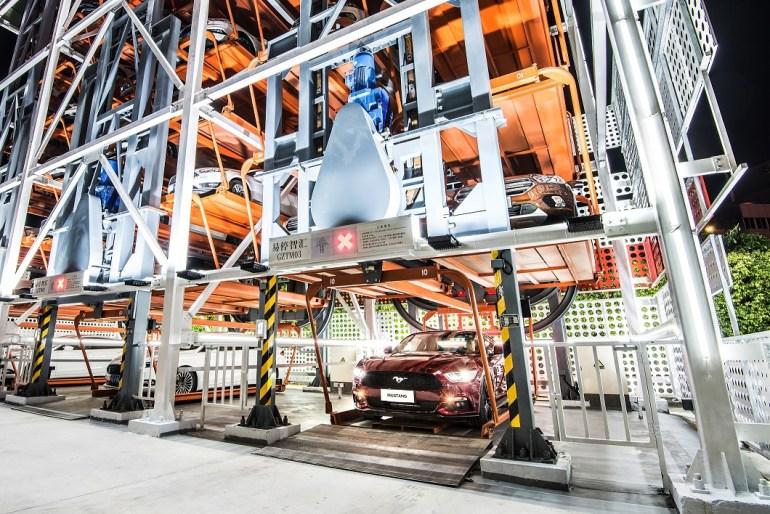 Ford и Alibaba создали многоэтажный вендинговый автомат для продажи автомобилей