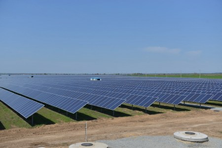 В Запорожской области запущена первая очередь крупнейшей в Украине солнечной электростанции