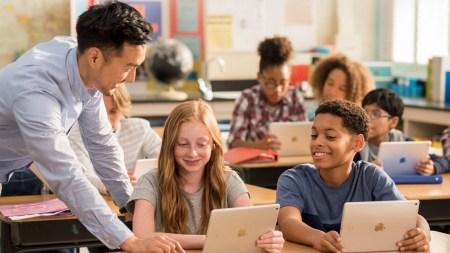 Новый «учебный» iPad набрал всего 2 балла из 10 по шкале ремонтопригодности iFixit, школам может не понравиться потенциальная сложность и дороговизна его ремонта