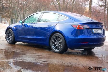 Tesla снова временно приостанавливает выпуск электромобилей Model 3