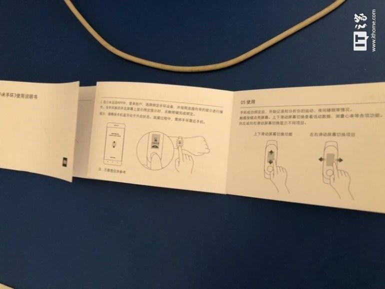В сеть попал мануал фитнес-браслета Xiaomi Mi Band 3, который подтвердил дизайн, сенсорный экран и новую схему крепления капсулы