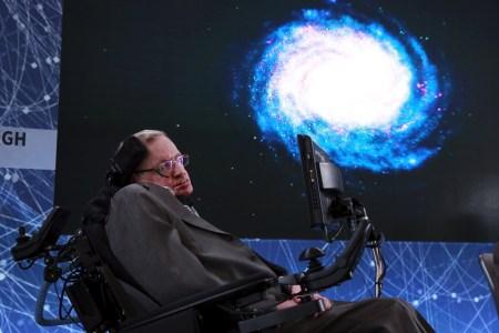 ESA сделало оригинальный трибьют Стивену Хокингу, передав аудио с его голосом прямо в черную дыру