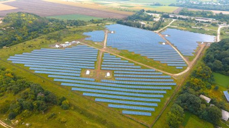 В Хмельницкой области открыли солнечную электростанцию «Кутковцы» мощностью 5 МВт
