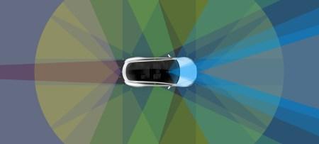 Tesla не спешит внедрять полный автопилот для автономных поездок по всем США, а сосредоточилась на безопасности и разработке собственного чипа ИИ