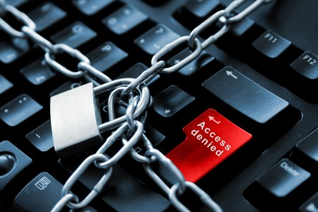 Президент Египта подписал закон, позволяющий блокировать сайты, а также наказывать их авторов и посетителей