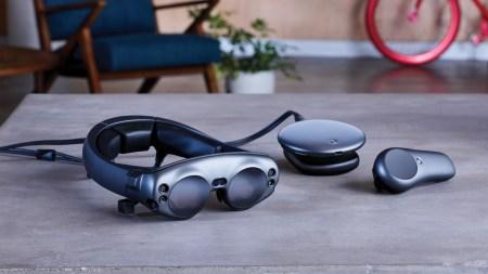 Очки дополненной реальности Magic Leap One Creator Edition поступили в продажу в США по цене $2295. На их разработку ушло 6 лет и $2 млрд