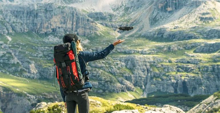 Компактный складной дрон Yuneec Mantis Q поддерживает запись видео в 4К и может находиться в воздухе 33 минуты