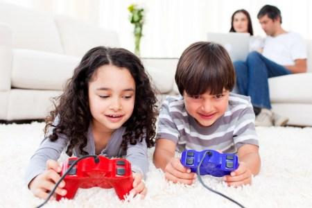 NPD: В игры играют 67% американцев (211 млн человек), половина из которых использует несколько платформ, но самые популярные — мобильные устройства