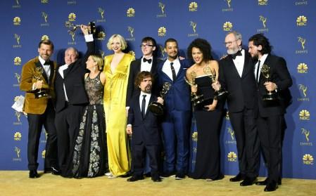 Объявлены победители телевизионной премии «Эмми 2018», в итоге Netflix и HBO набрали одинаковое количество наград