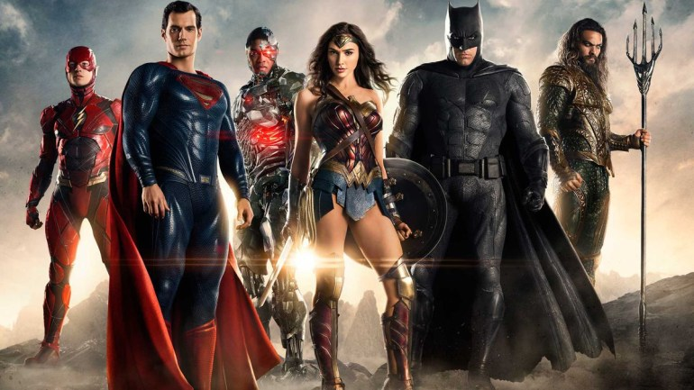 """Hollywood Reporter: Генри Кавилл больше не будет играть """"Супермена"""", так как Warner Bros. собирается перезапустить DC Cinematic Universe с более молодыми актерами"""