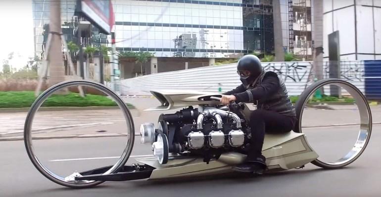 TMC Dumont - футуристический байк с двигателем от Rolls Royce