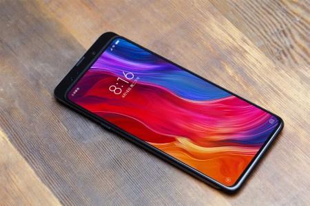 Официально: Безрамочный смартфон-слайдер Xiaomi Mi Mix 3 анонсируют 25 октября (новинку еще раз показали на фото)