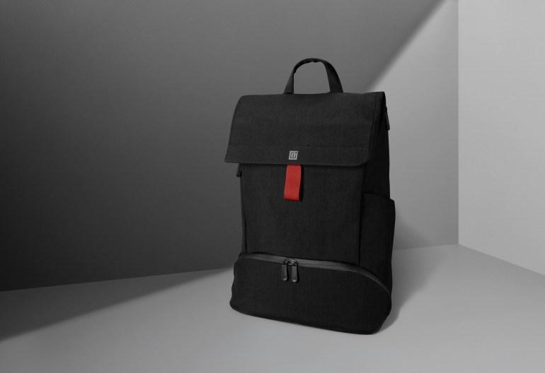 Вместе со смартфоном OnePlus 6T выйдет новый рюкзак OnePlus Explorer на 18 л. Редактор The Verge Влад Савов уже похвалил новинку